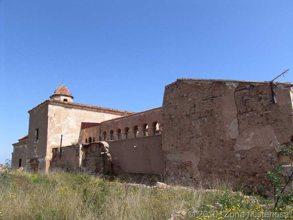 Lateral del monasterio