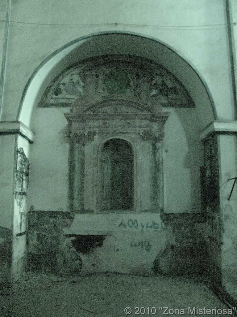 Uno de los muchos altares