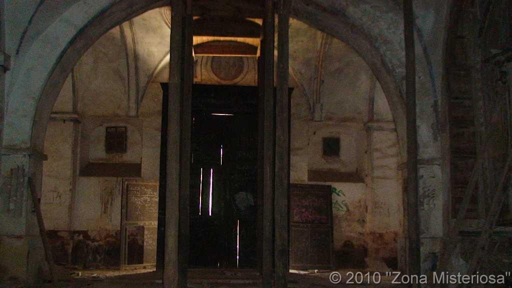 Puerta con orbe
